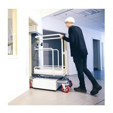 Mini nacelle à mât vertical motorisée hauteur de travail jusqu'à 4950mm -