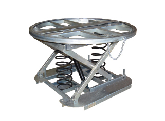 Self-leveling lift tables